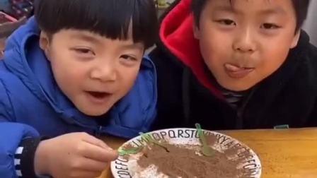 趣味童年:酸的零食,不能吃太多哦
