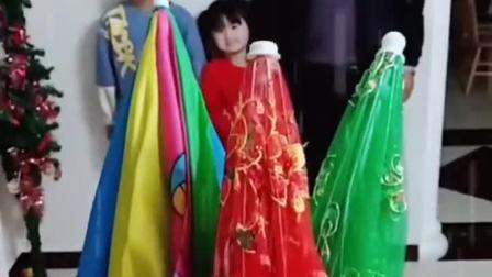 趣味童年:好看的雨伞,大家快来选