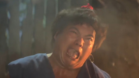 钱小豪这招绝了,为了逼出师伯,竟把肥鸡放在灶上用火烤