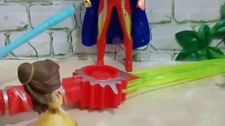 亲子幼教宝宝:贝儿拿着尚方宝剑做什么哪