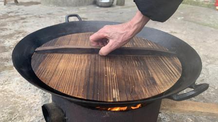 吃了半辈子的腊肉,这样吃才叫爽,轻轻揭开锅盖那一刻,看饿了