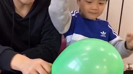 少儿益智:弟弟会害怕气球吗?