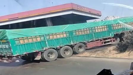 超长大货车上坡,老司机替他捏把汗,这真的能上去吗
