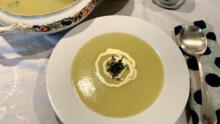 香浓丝滑,营养丰富的葱香土豆浓汤