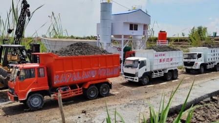 大卡车模型玩具出发运输材料