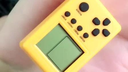 小小游戏机适合偷偷的玩