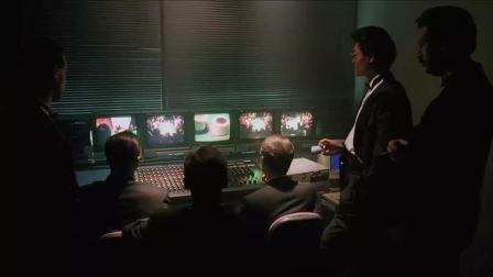 赌场其实是有一套监控系统的,对于那些赌术高明的赌徒,他们会把他请出场的