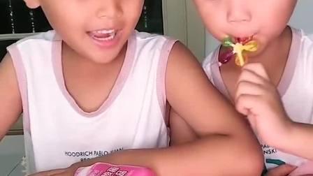 亲子游戏:弟弟你有那么多糖,就给我吃一个吧