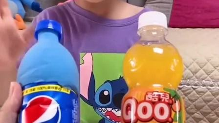亲子游戏:小晨晨也想喝饮料