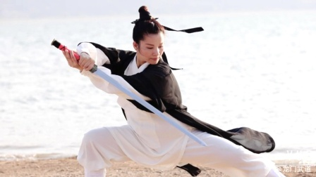 49式武当太极剑演练者:黄冬梅(兴玥)