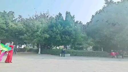恋人心莎巾舞蹈