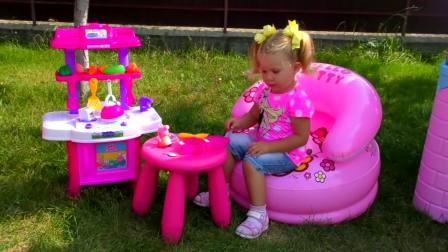 儿童亲子互动,小女孩女童户外过家家游戏,一起来玩吧