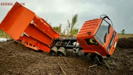趣味益智玩具 自卸卡车装载泥土去目的地