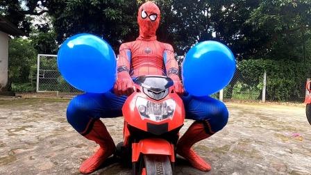 蜘蛛侠:蜘蛛侠闲的无聊,拿气球取乐!