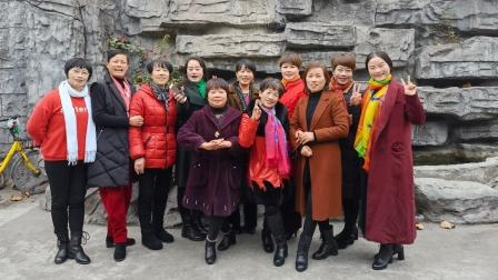 20201228东南名邑戏曲话动,轻舟越歌由美芳、凤儿、妙芬、亚红演唱,加上美女们伴舞欢度时光,阿萍制作。