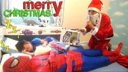 蜘蛛侠:圣诞老人悄悄地给蜘蛛侠送来了礼物!