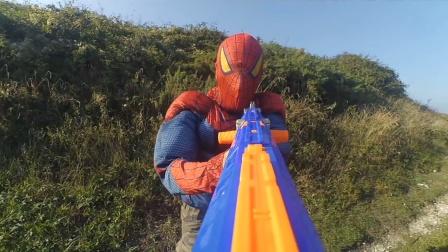 蜘蛛侠:蜘蛛侠居然想用玩具枪挑战战斗机,咋想的?