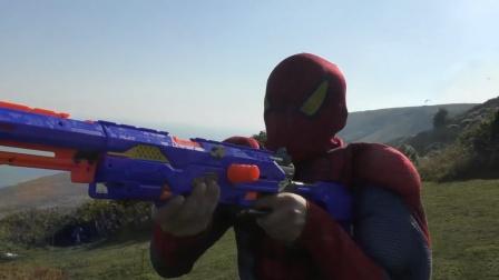 蜘蛛侠:蜘蛛侠拿着玩具枪追飞机,真可笑!