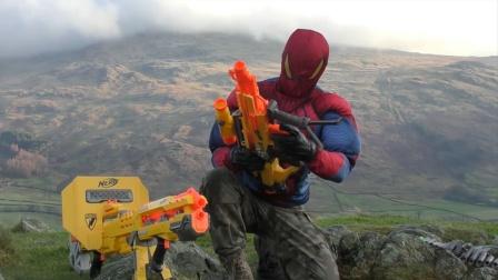 蜘蛛侠:蜘蛛侠在山谷中测试他的玩具枪!