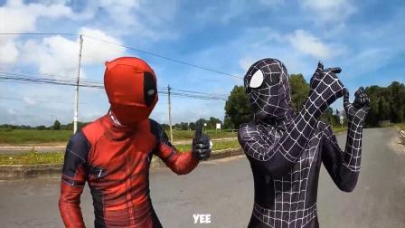 蜘蛛侠:毒液为了趁车,爬到了汽车顶上!