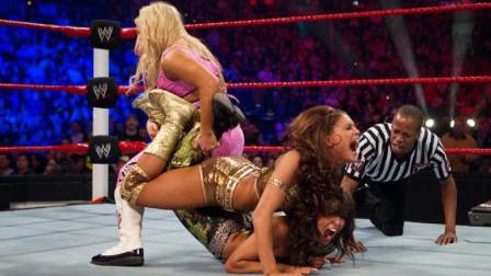 WWE女郎冠军意外易主,米雪儿压制对手竟遭无视!