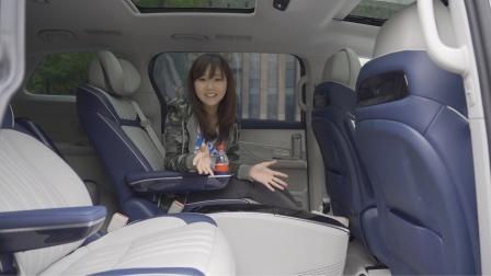 最近周末|Meimei玩了一台手套箱会跑的车
