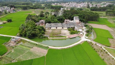 广西贵港中里乡郑氏祖祠,前面有个月牙池,格局一看与众不同