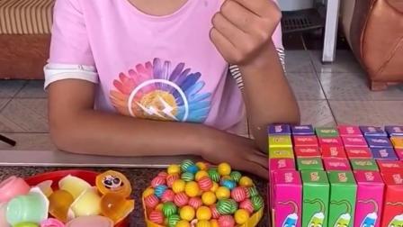 快乐的往事:姐姐的糖果好多啊