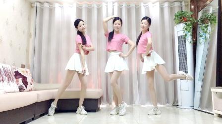 网红广场舞《说陪你的人还在吗》32步健身操