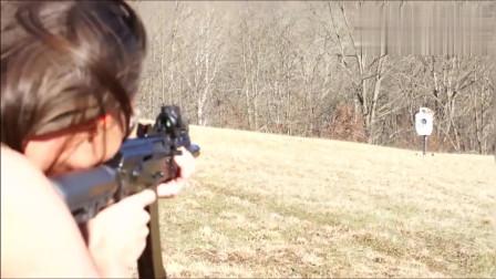 AK步枪打得不准?看加装了全息瞄准镜的AK百步穿杨