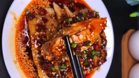 厨师长教你做川菜口水鸡,肉质滑嫩无腥味,上桌都抢着吃