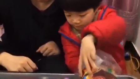趣味生活:又要送糖果给小朋友啦
