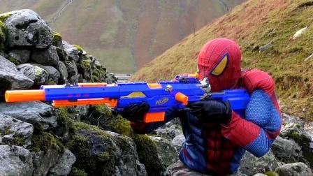 蜘蛛侠:狙击手蜘蛛侠在野外练习枪法!