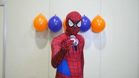 蜘蛛侠:蜘蛛侠扎气球的技术让你大吃一惊!