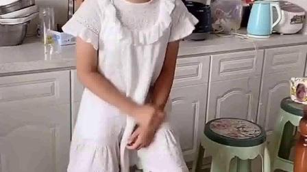 亲子游戏:大宝,给妹妹吃吧
