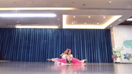 双人古典舞《并蒂莲》完整版,就是有点短!
