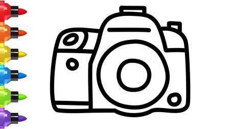 小猪佩奇用相机给汪汪队拍照