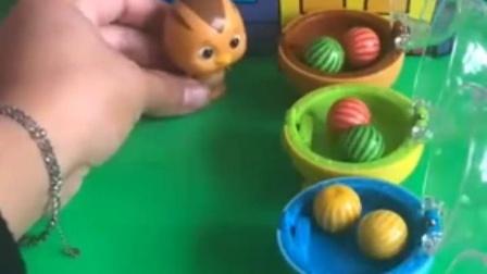 亲子宝宝动画:鸡妈妈给小鸡分糖果!