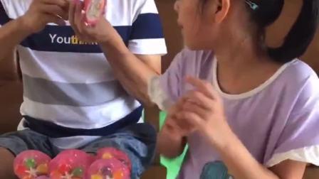 趣味生活:爸爸风车糖一个都不给我吃
