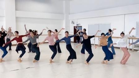 中国歌剧舞剧院《清平调》排练片段,盈袖一舞,华贵优雅!