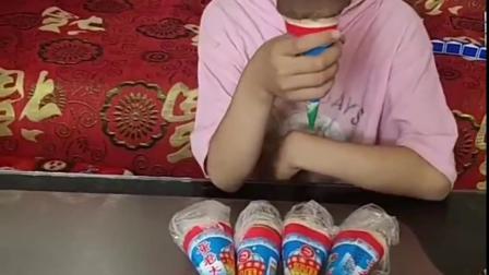 快乐的往事:霸道的姐姐不给妹妹吃冰淇淋