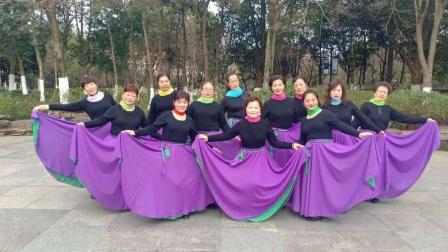 夕阳红舞蹈队《可可托海的牧马人》