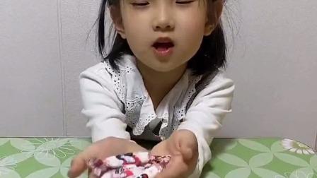 亲子游戏:妈妈,我这些糖不吃了,给你吃吧