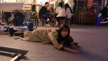 章小鱼摔车戏的悲惨幕后