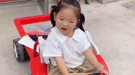 亲子游戏:二宝,你这开车去干啥啊呢