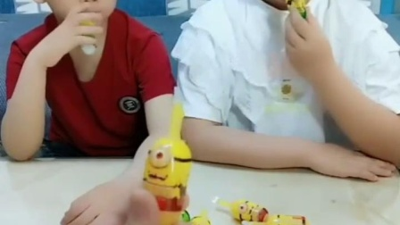 亲子有趣幼教玩具:刺刺球不能吃,会扎嘴的!