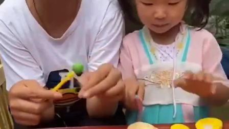 童年的记忆:妹妹的糖太好吃啦