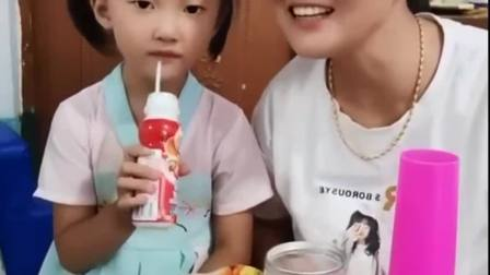 童年的记忆:宝贝来喝酸奶啦