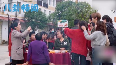 鹿晗被一群女子包围,谁注意到鹿晗的反应?素质装不出来