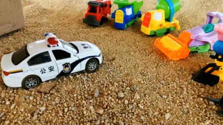有怪兽袭击汽车 汽车工程车们快跑